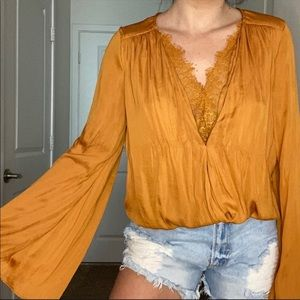 DO+BE Mustard Yellow Lace Bell Sleeve Blouse Top L